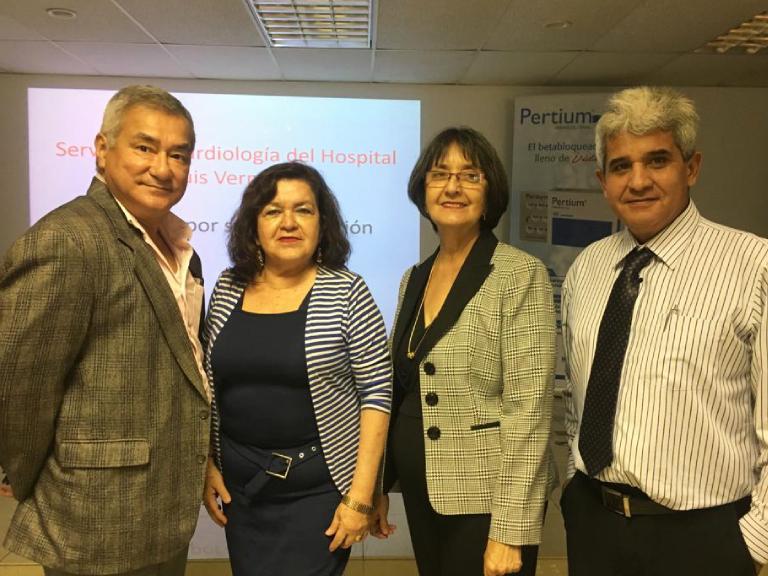 Dres. David Pow Chon Long, Patricia Gamarra, Silvia Laborde y Luis Alberto Macías