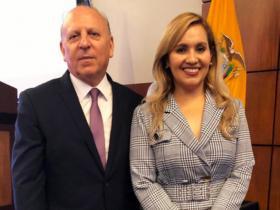 Dres. Alex Valenzuela y Mery Guerrero
